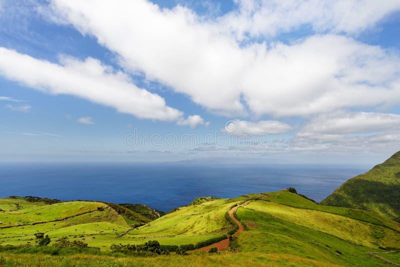 Azores - sikt till Pico Island royaltyfri bild