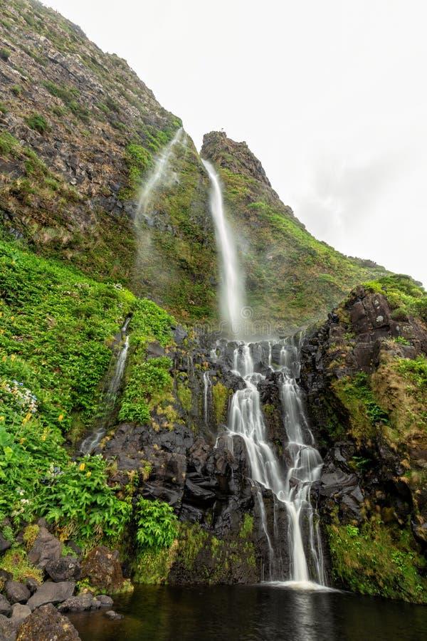 Azores vattenfall fotografering för bildbyråer