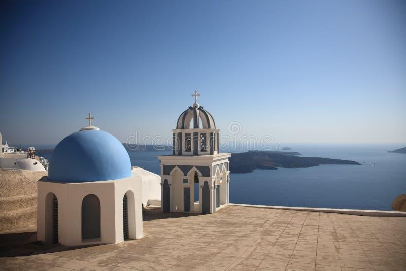 Azotea de la pequeña iglesia en Grecia imagen de archivo libre de regalías