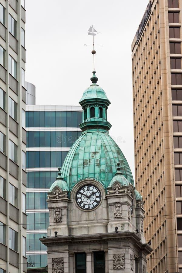 Azotea y reloj de cobre Vancouver fotos de archivo libres de regalías