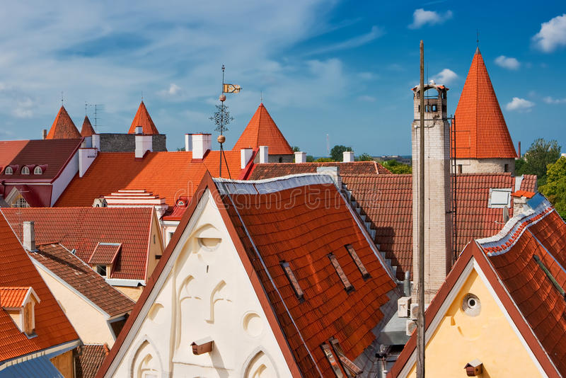 Azoteas de Tallinn fotos de archivo