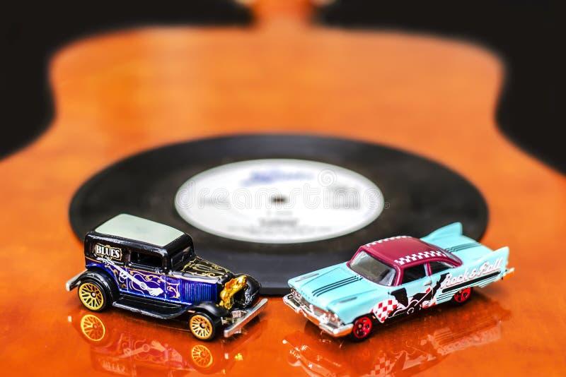 Azuis e carros da rocha fotos de stock