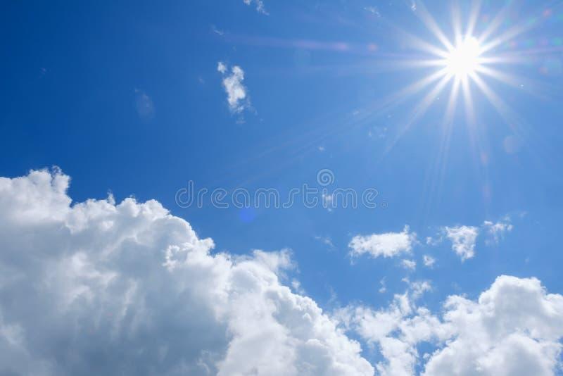 Azul bonito da cor do fundo brilhante meteorologia pura imagem de stock royalty free
