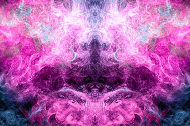 Azul colorido arte abstrato e fumo cor-de-rosa no fundo isolado preto fotografia de stock