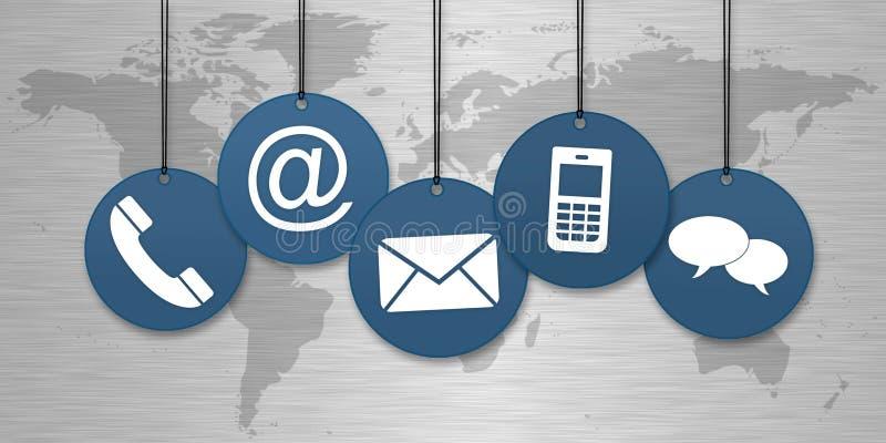 Azul contacte-nos os ícones que penduram na frente de um worldmap ilustração royalty free