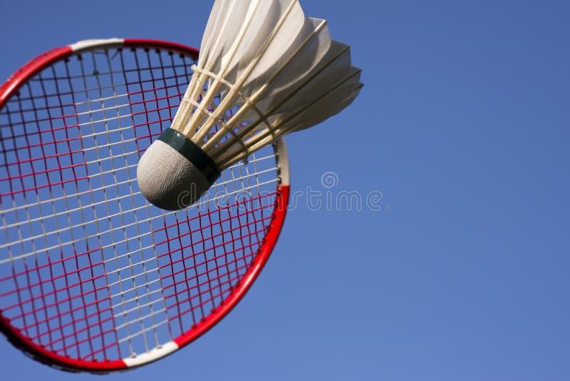 Azul de cielo del juego del bádminton foto de archivo