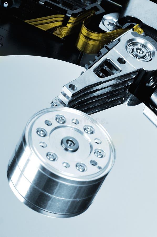 Azul del detalle del mecanismo impulsor de disco duro coloreado fotografía de archivo libre de regalías