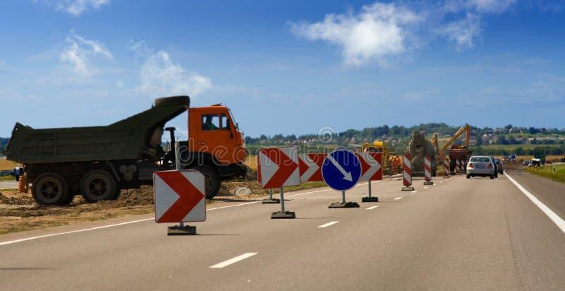 Azul do caminhão do trabalho de estrada imagem de stock