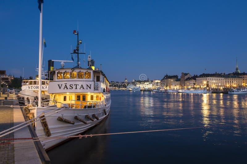 Azul-hora clássica Éstocolmo dos passengerships imagem de stock