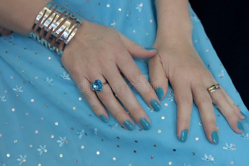 Azul no azul fotos de stock