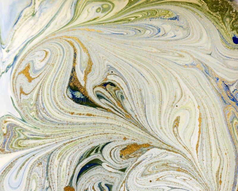 Azul veteado, verde y fondo abstracto del oro Modelo de mármol líquido fotos de archivo