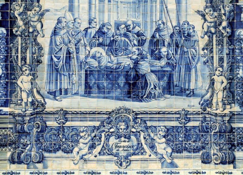 Azulejos su Capela das Almas a Oporto, Portogallo immagini stock
