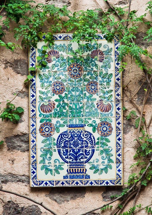 Azulejo en una pared Guanajuato México fotos de archivo
