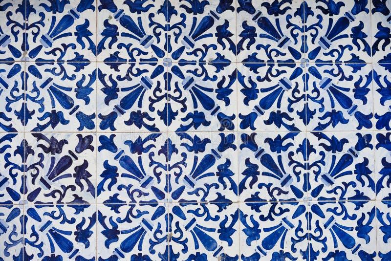 Azulejo, tradycyjne białe ścian płytki w Lisbon, Portugalia obraz stock