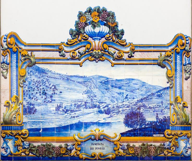 Azulejos à la gare ferroviaire de Pinhao, vallée de Douro, Portugal photo libre de droits