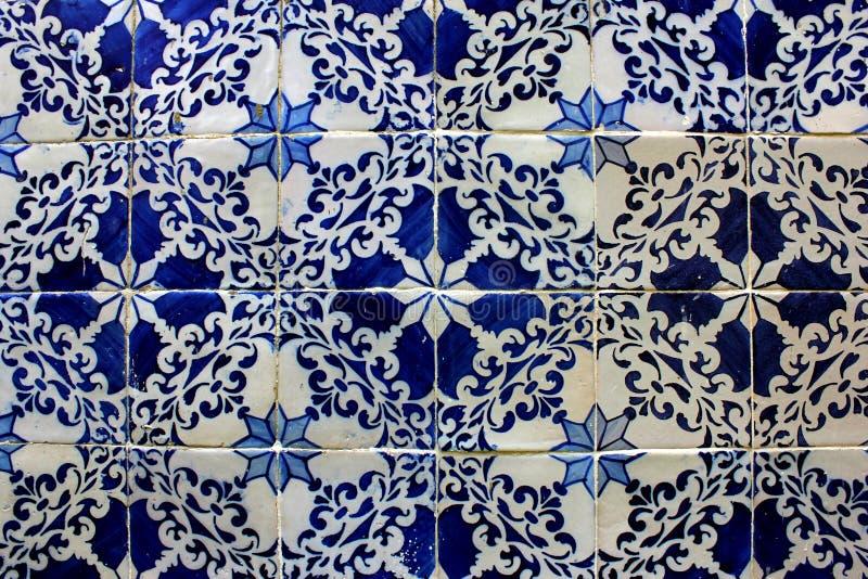 Azulejos azules y blancos, Lisboa, Portugal imagen de archivo