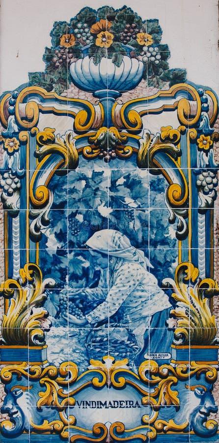 Azulejos bonito na estação de trem de Pinhao, Portugal imagem de stock royalty free