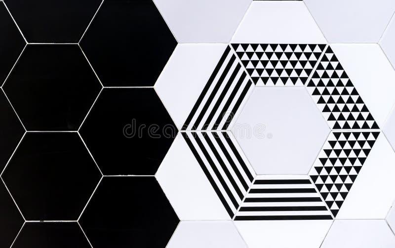 Azulejos com testes padrões geométricos Azulejos preto e branco do fundo fotos de stock