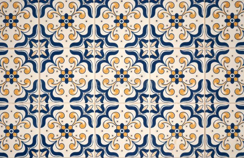Azulejos esmaltados portugueses tradicionales fotos de archivo libres de regalías