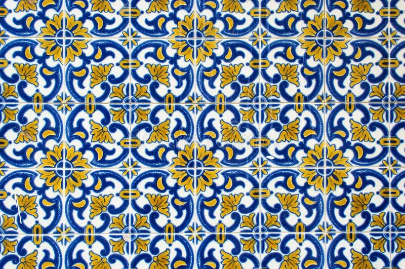 Azulejos traditionella portugistegelplattor royaltyfri bild