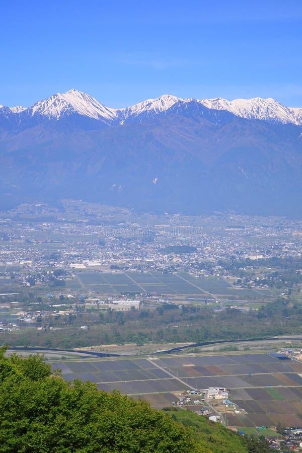 Azumino-Stadt und Japan-Alpen lizenzfreies stockbild