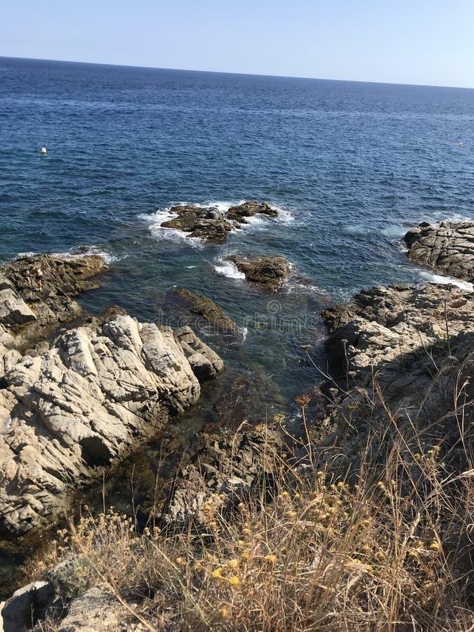 Azurblaue Küste des Mittelmeeres von Spanien lizenzfreie stockfotografie