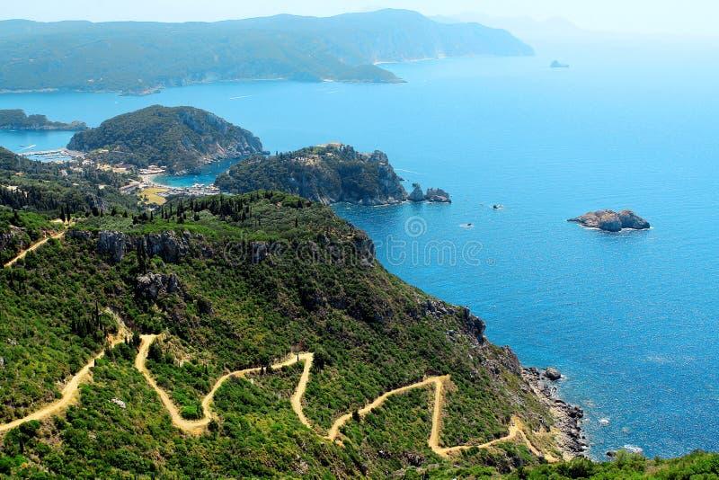 Azurblaue Küstenlandschaft von Griechenland Korfu lizenzfreies stockbild