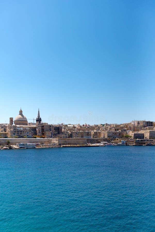 Azurblauer Hafen Sliema mit Yachten, Malta, stockbild