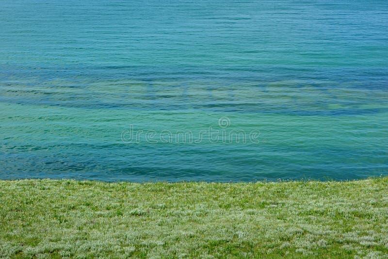 Azuurblauwe overzees stock fotografie