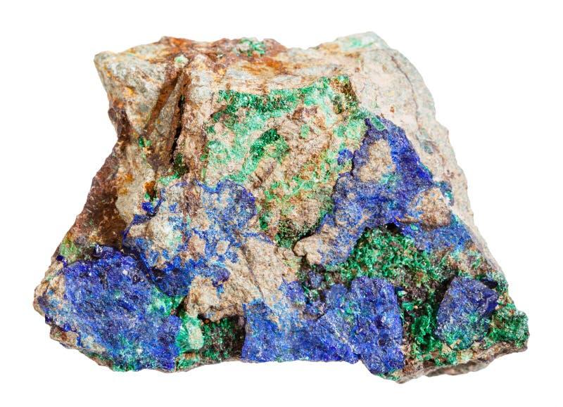 Azzurrite e malachite sulla pietra ruvida isolata fotografia stock