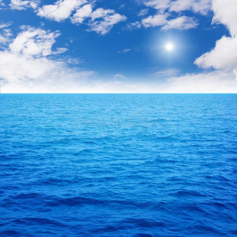 Azzurro di oceano immagine stock libera da diritti