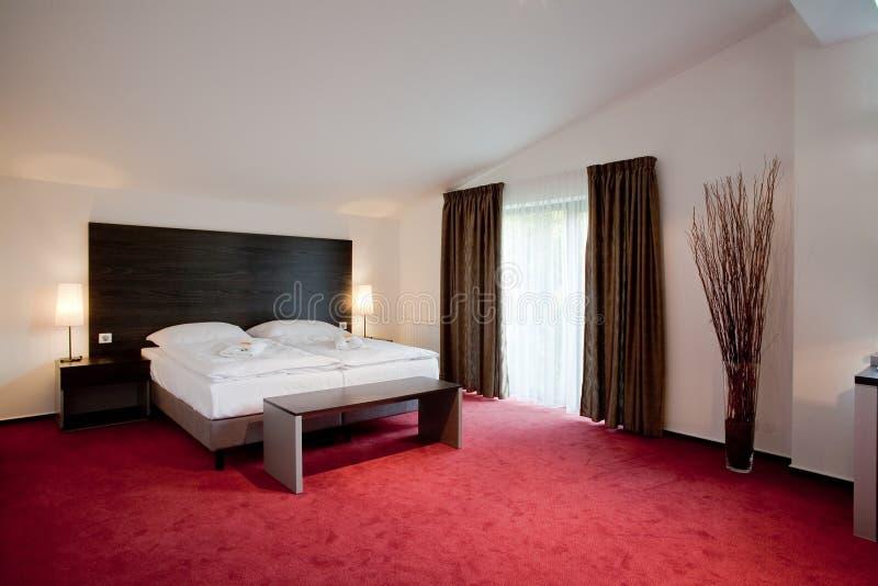 Bâti de chambre à coucher d'hôtel double photographie stock