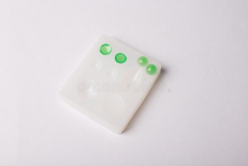 Bâti de la résine époxyde formé/de la fabrication bijoux des bâtis DIY image libre de droits
