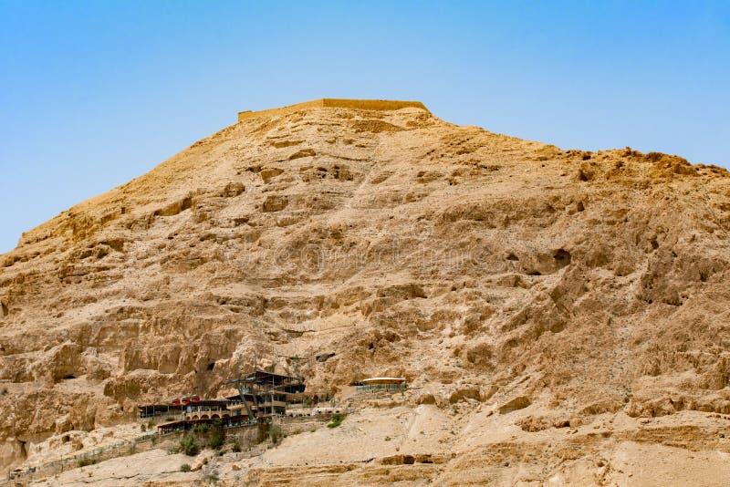 Bâti de tentation dans le désert avec le fond de funiculaire près de t photos libres de droits