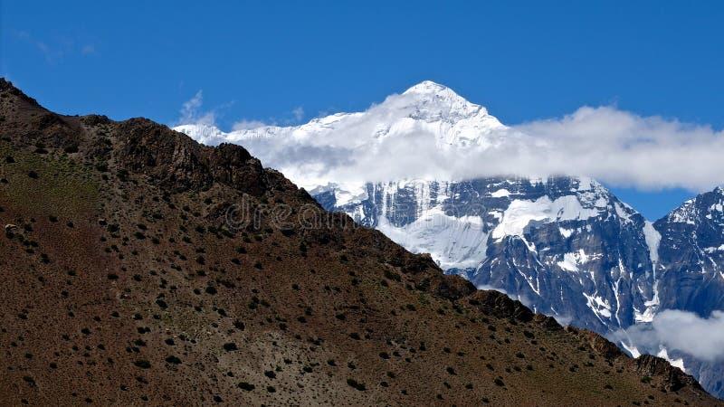Bâti Nilgiri, Népal Himalaya photo libre de droits
