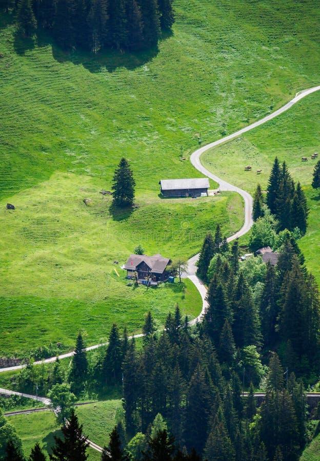 Bâti proche Rigi, Lucerne, Suisse de petite ferme photos stock