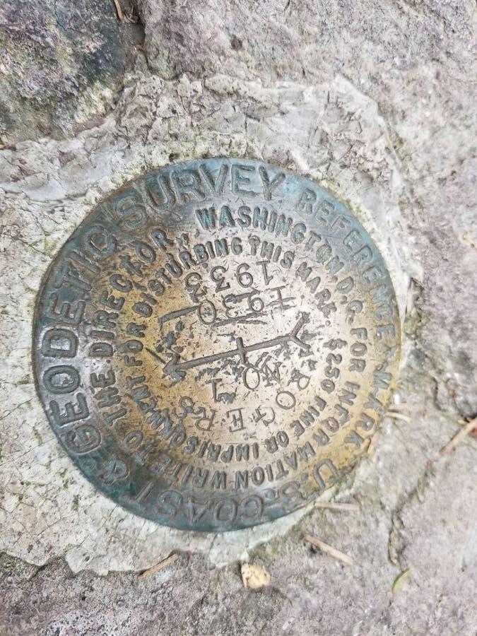 Bâti Roger& x27 de marqueur d'étude géologique ; s la Virginie image libre de droits