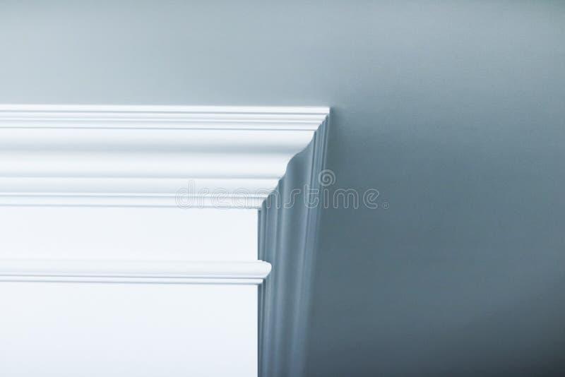 Bâti sur le détail de plafond, la conception intérieure et le fond abstrait architectural photos stock