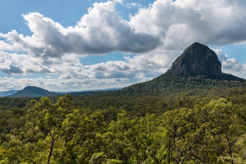 Bâti Tibrogargan au parc national de montagnes en verre de Chambre photos stock