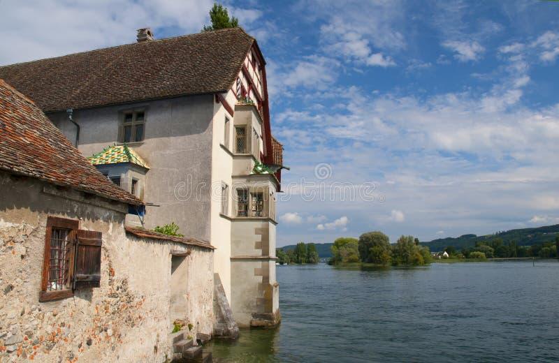 Bâtiment antique de fachwerk sur la rivière, Stein am Rhein, Schaffhausen, Suisse images libres de droits