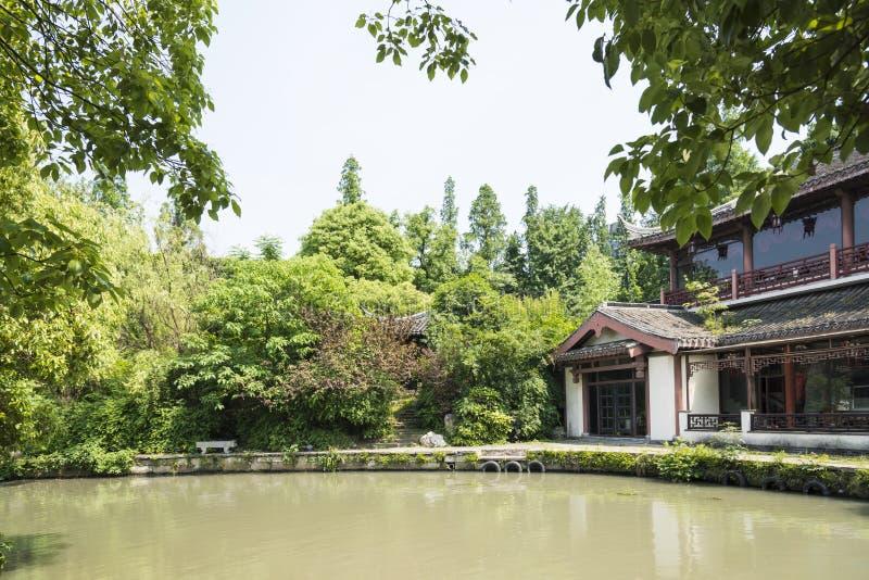 bâtiment antique le long de rivière de Qinghuai images stock
