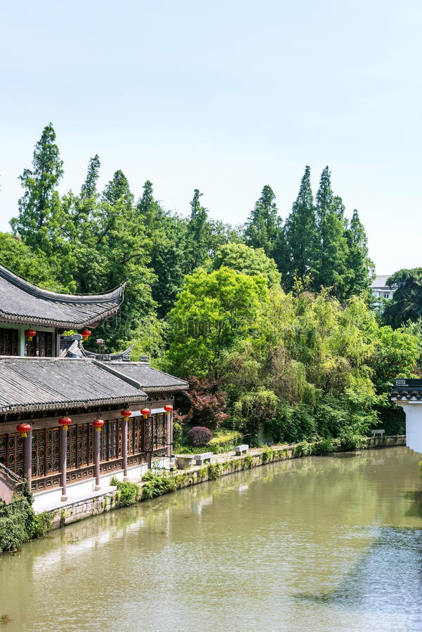 bâtiment antique le long de rivière de Qinghuai photos stock