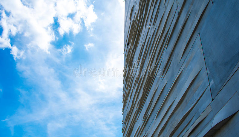 Bâtiment au ciel images libres de droits