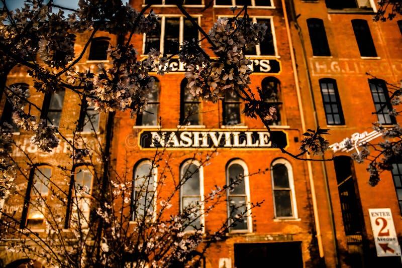 bâtiment avec le signe de Nashville images libres de droits
