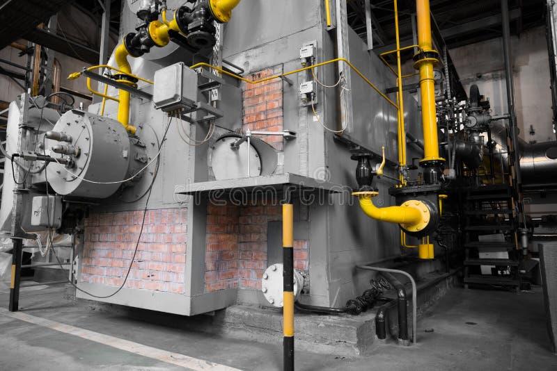 Bâtiment avec une chaudière industrielle moderne image stock