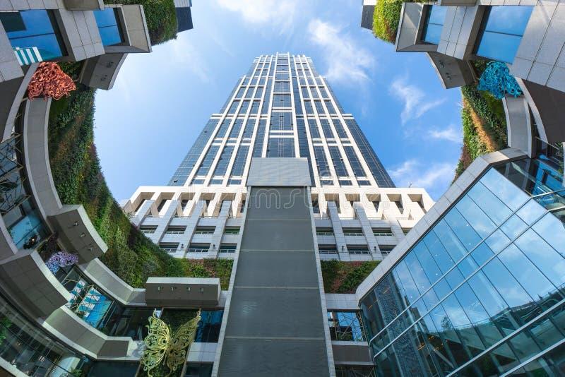 Bâtiment ayant beaucoup d'étages à Changhaï, Chine images libres de droits