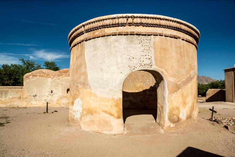 Bâtiment circulaire à la mission Tumacacori photos libres de droits
