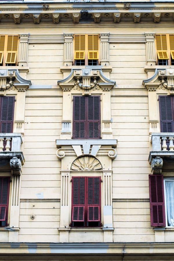 Bâtiment détaillé, classique, bien décoré, architectonique photographie stock libre de droits