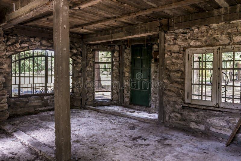 Bâtiment d'Abnadoned dans Campanopolis image libre de droits