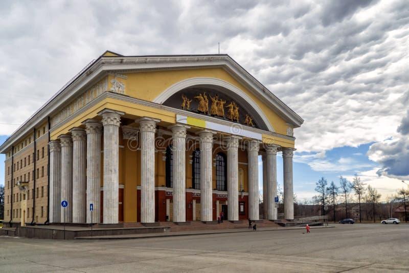 Bâtiment d'architecture classique le théâtre de la musique et du drame photos libres de droits